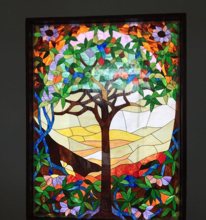 งานกระจกสีสเตนกลาส ลายต้นไม้